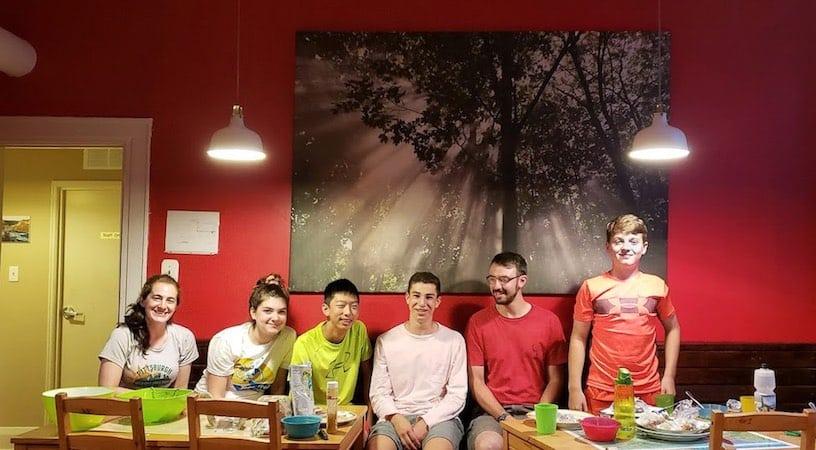 niagara falls hostel teen bike trip
